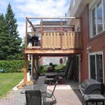 Lively Sunroom Addition Deck Guard Up with Privacy Wall