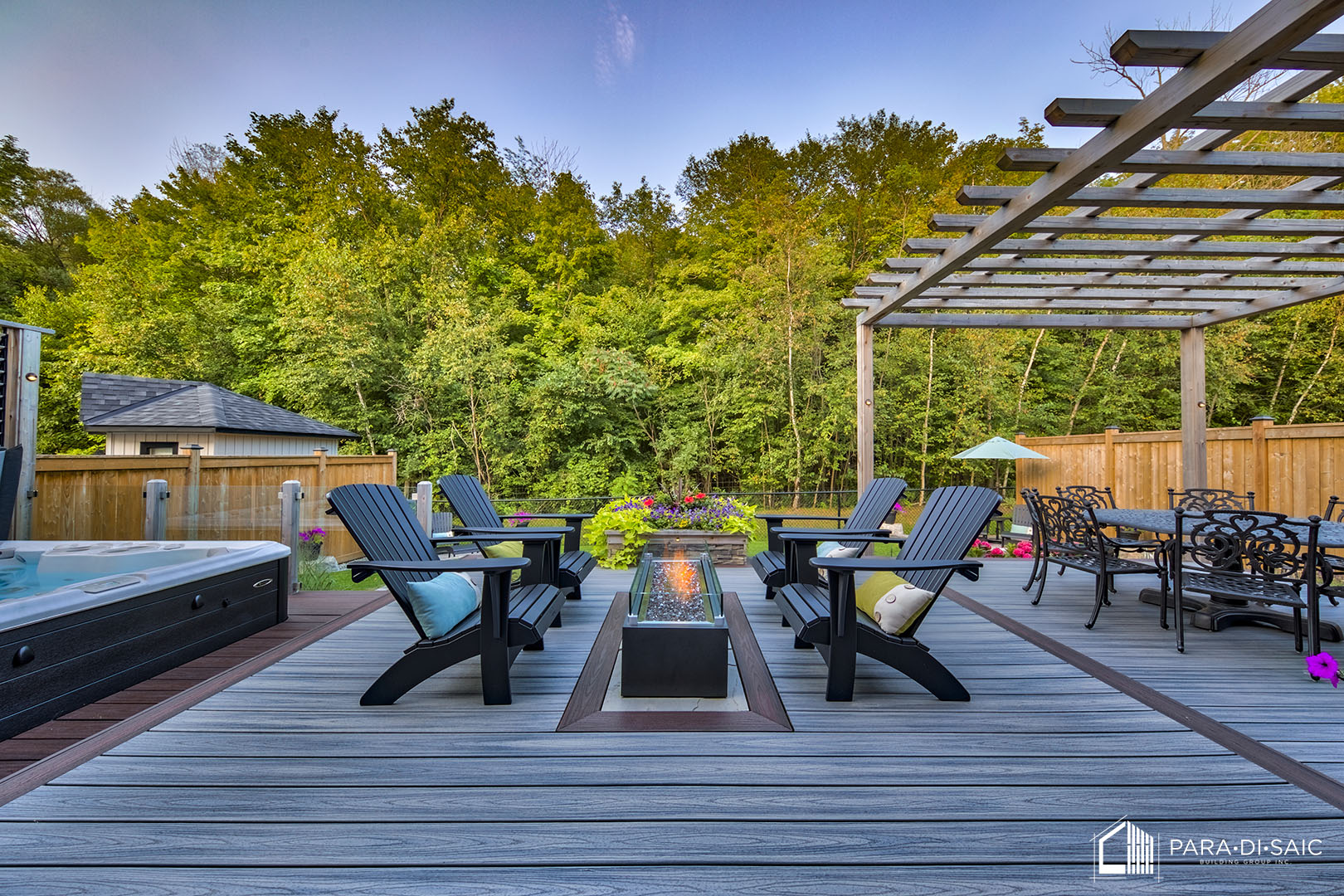 Courtice Deck - Lounge Area